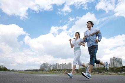 運動を行う写真